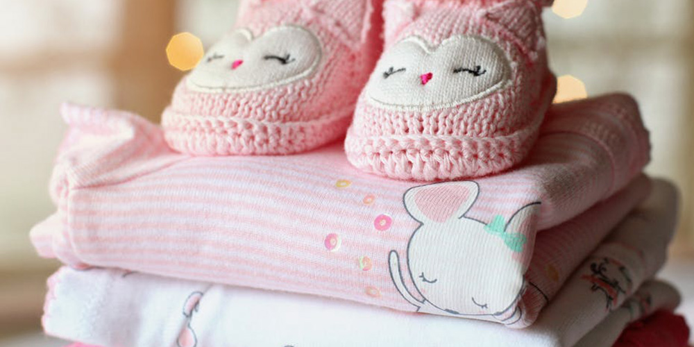 how to dress a newborn for cold and hot weather