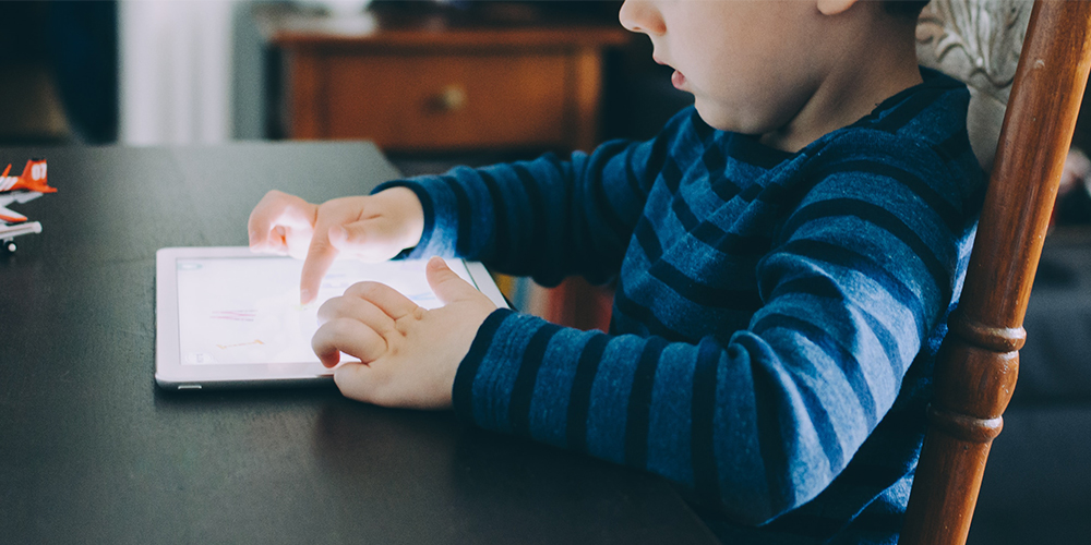 kids screen time and how it affects their behavior